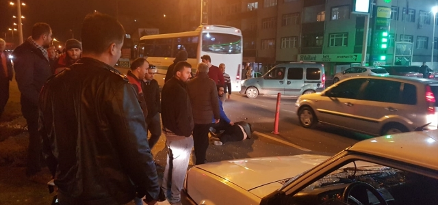 Zonguldak'ta otomobilin çarptığı anne ve kızı yaralandı